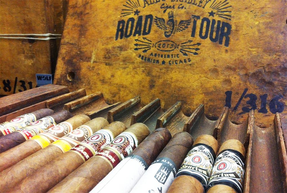 Alec Bradley Road Tour Pressstock mit 10 Zigarren
